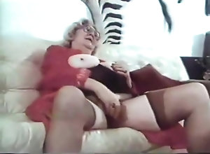Vintage,Classic,Retro,Amateur,Blowjob,Granny,Perfect,Sucking,Clip Astonishing porn...