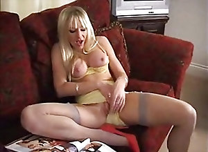 Babes;Masturbation;Matures;Orgasms;Vintage;Solo PBB Vintage Girl...