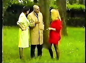 Cumshots;Vintage;Stockings;French;Threesomes;Vintage French Vintage French 3.flv