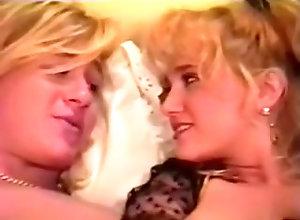 Blonde Nikki Wilde -...