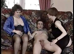 Sex Toys;Matures;Vintage;Grannies Una vecchia scopa...