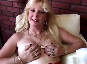 Masturbation,Vintage,Classic,Retro,Toys,MILF,Ethnic,Oldy,wet,wet pussy Saucy south...