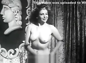 Vintage,Classic,Retro,Big Tits,Striptease,Knockers,Perfect Busty Babe Shakes...