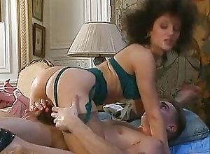 Mature;Vintage;Double Penetration;Lingerie;German;Cougar;Threesome;Escort;Retro Whore in Paris