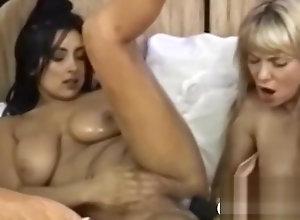 Lesbian,Masturbation,Vintage,Classic,Retro,Big Tits,Toys,Fingering,BDSM,Bondage,Fetish,Perfect,Retro,Toys Retro babe toying...