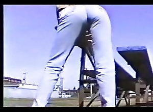 Babes;Softcore;Big Butts;Outdoor;Pissing;Tight Jeans;Piss;Jeans tight retro jeans...