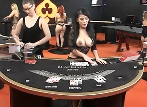 big-boobs;butt;retro;young;hot;sexy;top;amazing;curves;milf;cougar;poker;blackjack;roulette;casino;mom,Big Ass;Big Tits;Lesbian;MILF;Vintage;French;German;British;Italian Sexy Live Dealers